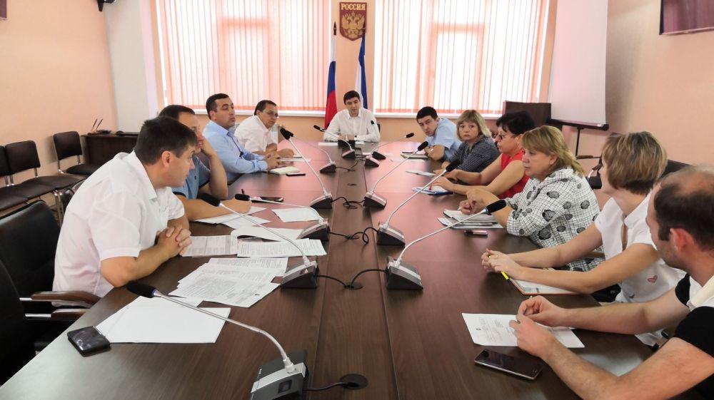 Ленур Абдураманов провел рабочее совещание по вопросу реализации федеральной целевой программы