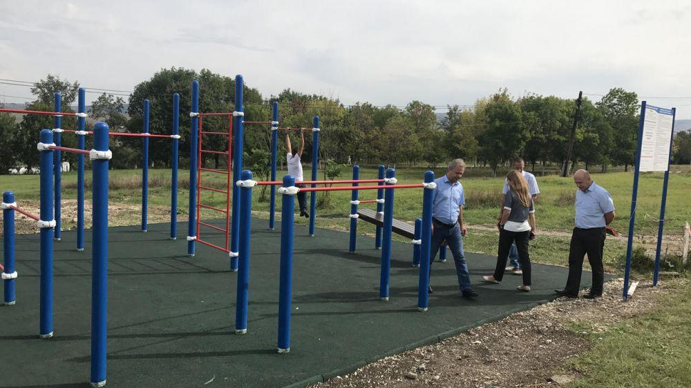 В Крыму начали устанавливать спортивные площадки в рамках государственной программы