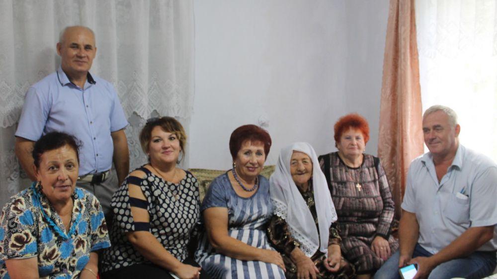 Жительница поселка Нижнегорский Деншаева Бекай Зекие отметила свой 90-летний юбилей