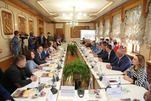 Владимир Константинов встретился с представителями бизнес-миссии Ленинградской области