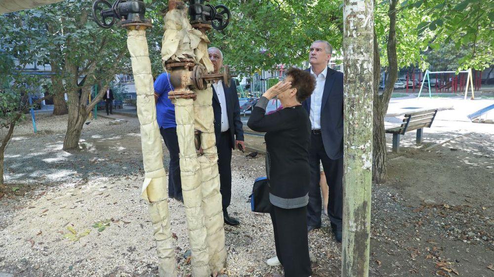 Сергей Аксёнов в ходе рабочей поездки посетил жилые дома столицы Крыма