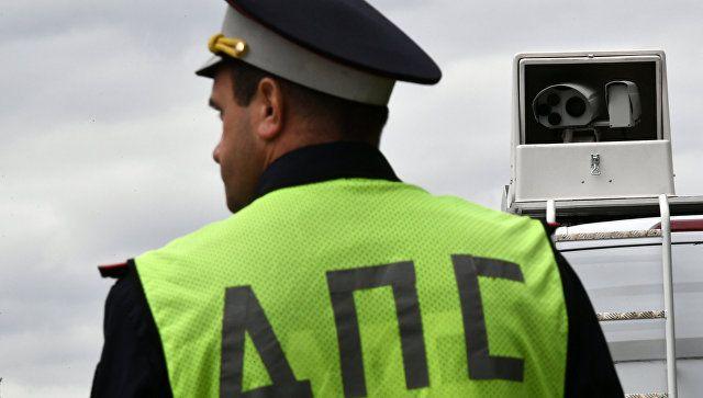 """""""Отомстил"""" за эвакуацию авто: в Крыму водитель ударил воротами полицейского"""
