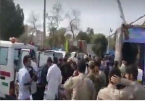 На военном параде произошёл теракт: есть убитые и раненые