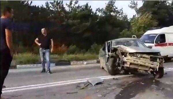 ДТП под Севастополем: грузовик столкнулся с «легковушкой»