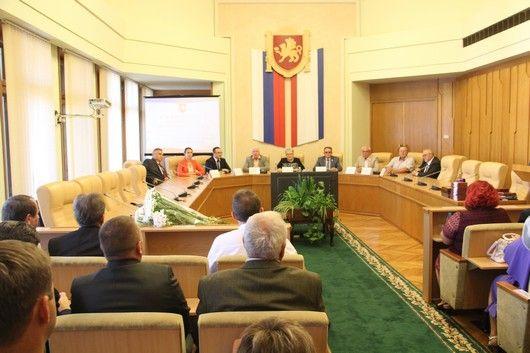 Наталья Маленко: Для крымчан флаг и герб – не просто слова, это символы нашей истории