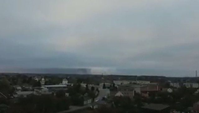 Видео: взрывы на складе боеприпасов под Черниговом