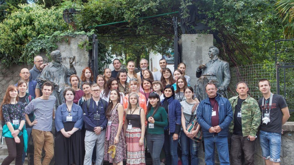 В конкурсе-пленэре «Крымская палитра» принимают участие преподаватели и студенты 12 художественных училищ России
