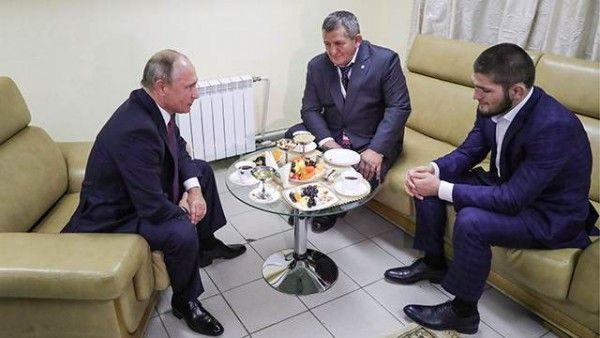 Путин встретился Нурмагомедовым