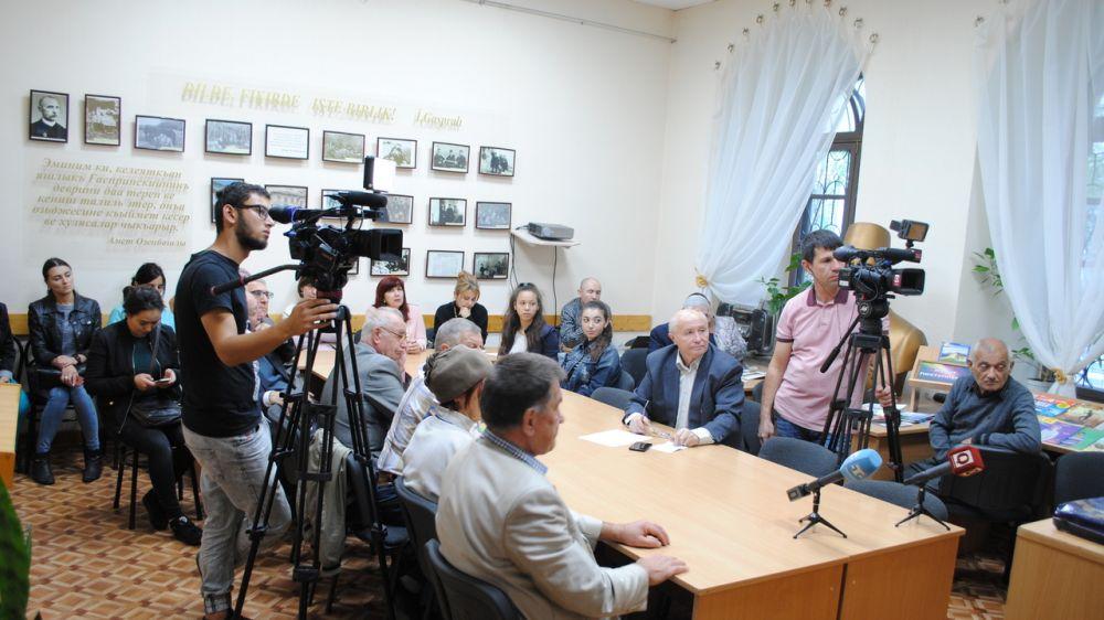 В Республиканской крымскотатарской библиотеке состоялась презентация лексикографического издания