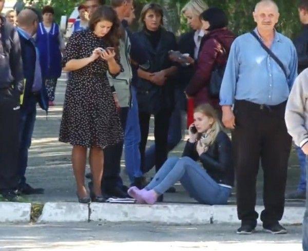 Видео первых секунд после массового убийства в Керчи