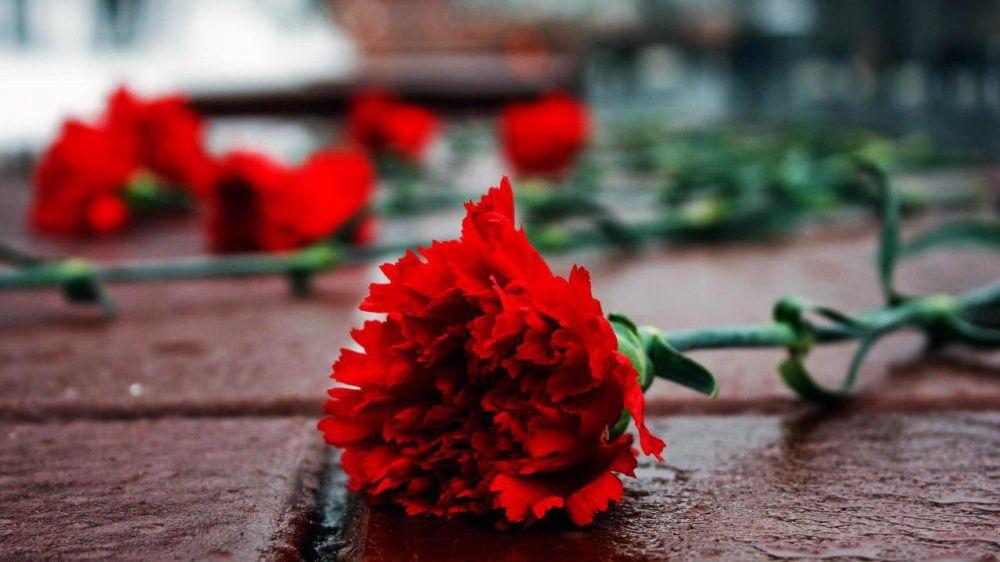 В Керчи на площади им. Ленина состоится церемония прощания с погибшими в результате трагедии в Керченском политехническом колледже