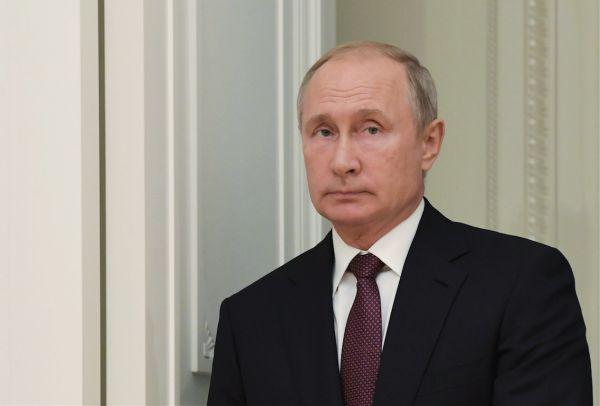Путин вместе с Ас-Сиси почтили память погибших в Керчи