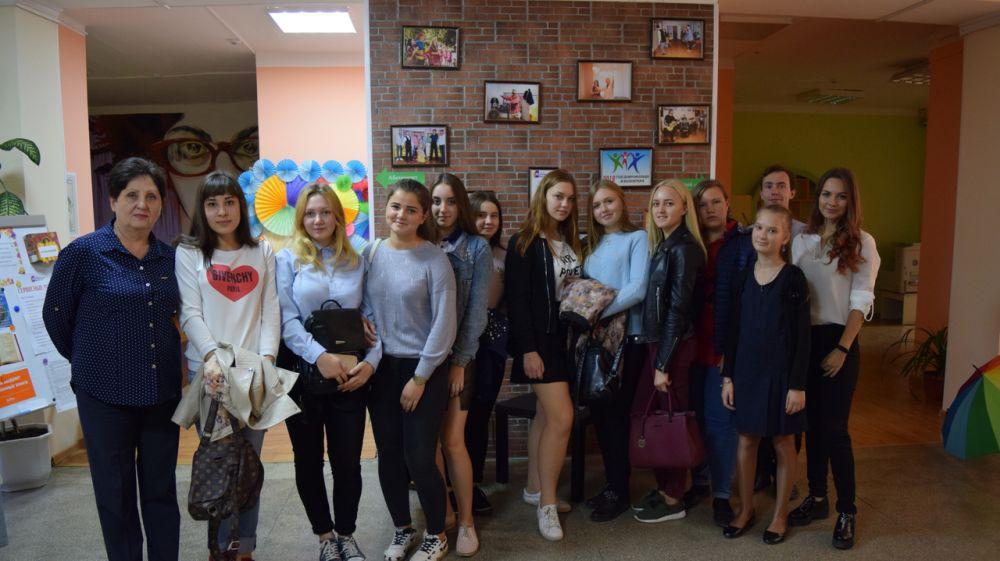 В Симферополе проведены литературные чтения в рамках фестиваля моноспектаклей «Белые журавли»