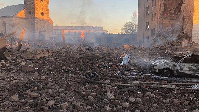 Взрыв на заводе в Ленобласти: повреждены соседние дома, заведено дело