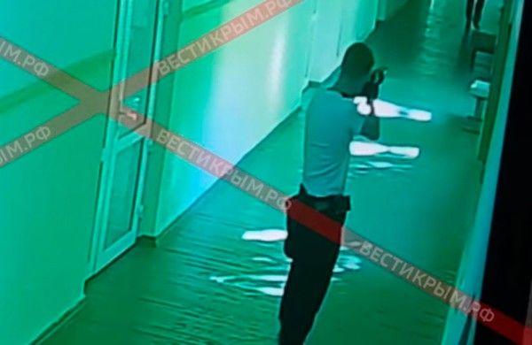Попавший на видео незнакомец мог быть куратором керченского убийцы