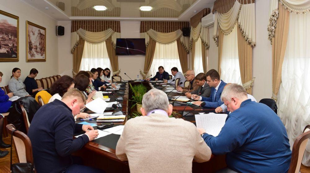 Игорь Лукашев провёл аппаратное совещание