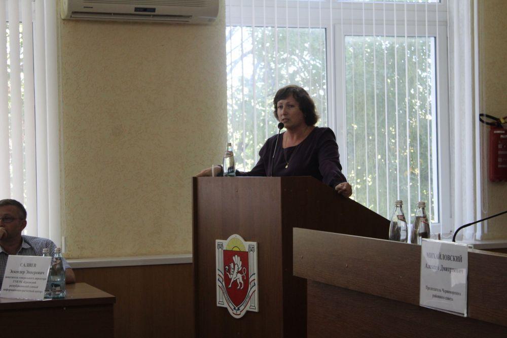 Начальник Инспекции Жукова Юлия Михайловна выступила с докладом на семинаре «Школа грамотного потребителя» в городе Черноморск