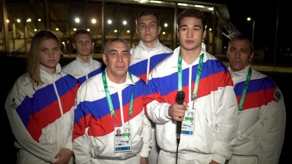 Юниорская сборная РФ по боксу посвятила победу на Олимпиаде памяти погибших в Керчи