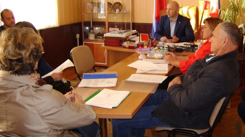 Под руководством главы Нижнегорского района состоялись подготовительные заседания к очередной сессии