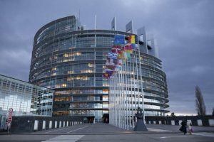 Европарламент сообщил о понижении уровня воды в море из-за Крымского моста