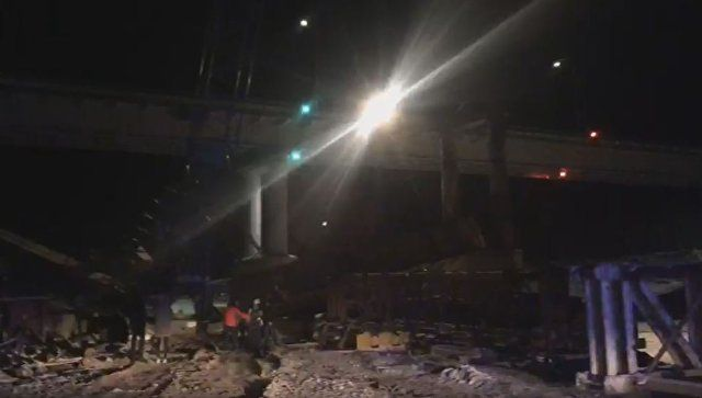 Видео с места обрушения моста в Югре