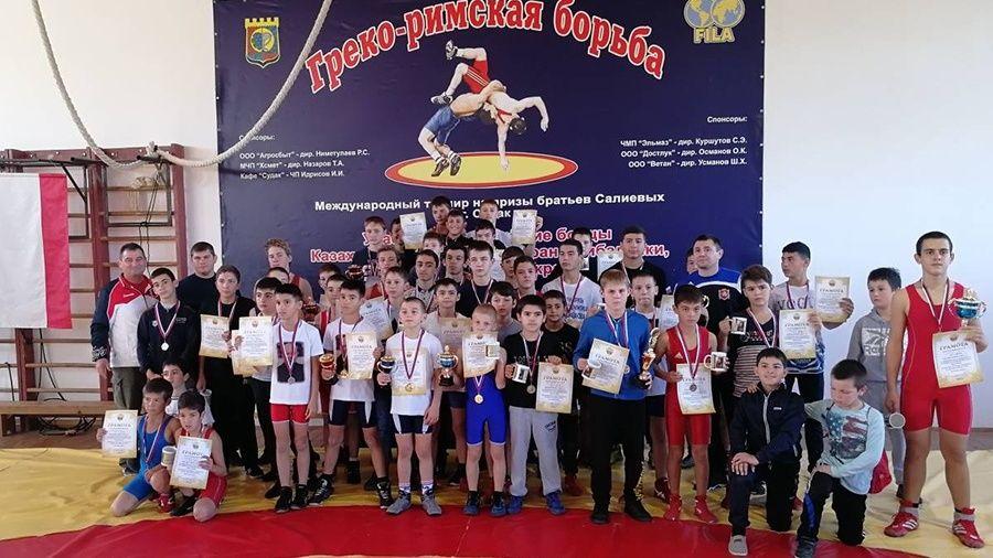 Все победители и призеры юношеского борцовского турнира в Судаке