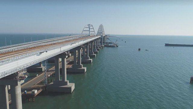 Съемка с коптера: как на Крымском мосту строят дорогу для поездов
