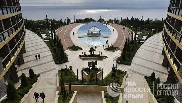 Сбербанк не планирует продавать попавший под санкции США санаторий в Крыму