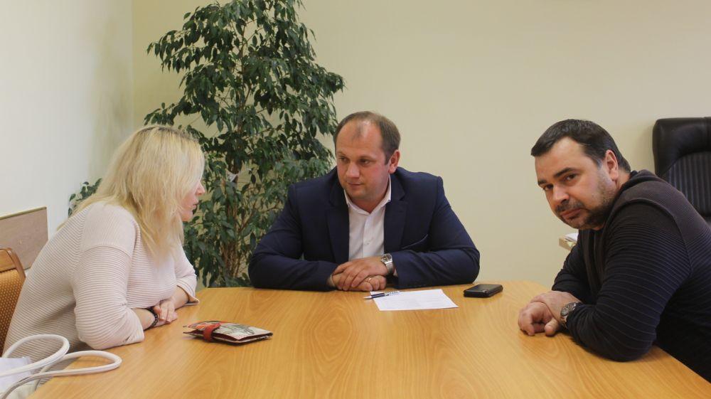 Сергей Донец встретился с жителями Симферопольского района в рамках приема граждан