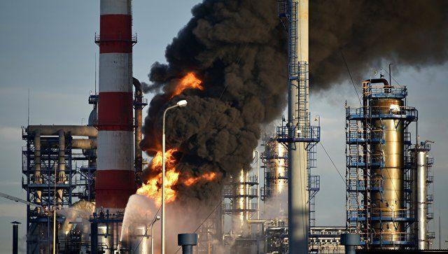 В Москве горел нефтеперерабатывающий завод: подробности ЧП и видео
