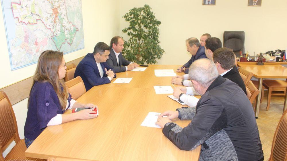 Состоялось совместное совещание по вопросам взаимодействия администрации Симферопольского района и Симферопольского районного совета