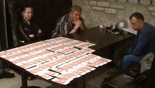 За посредничество: видео задержания главы крупной компании за взятку в Крыму