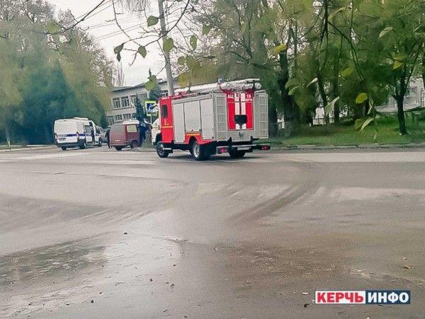 В керченском политехе, где произошло массовое убийство в октябре опять тревога!