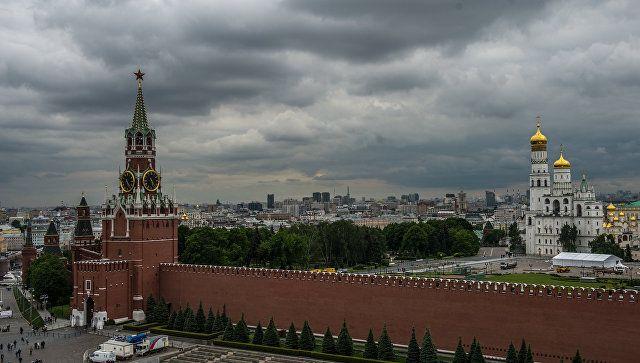 ФСО некомментирует появление вертолетов с военнослужащими над Кремлем