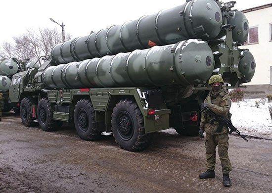 Четвёртый дивизион ЗРК С-400 «Триумф» заступил на охрану российских воздушных границ в Крыму