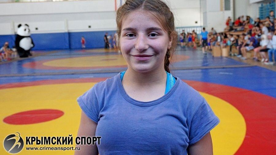Видеосюжет об Амиде Языджиевой – бронзовом призере первенства России по женской борьбе среди девушек до 16 дет