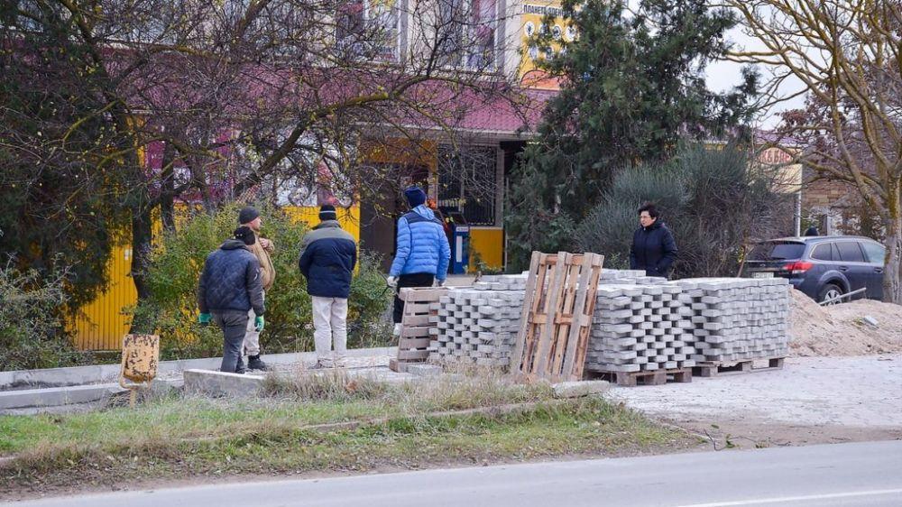 Все для комфорта черноморцев: тротуар, освещение, озеленение