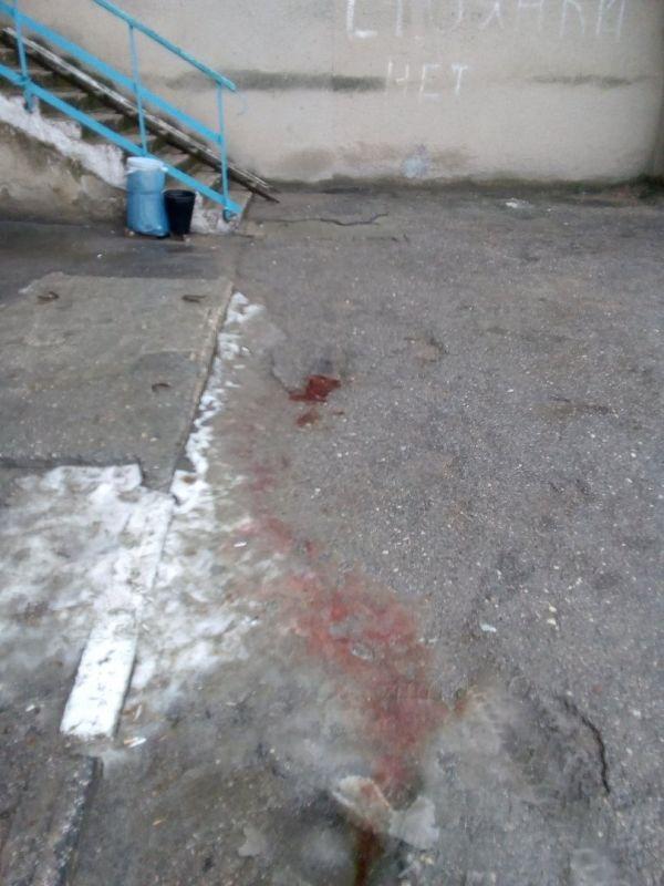 В Симферополе девочка погибла, упав с многоэтажки, 18+