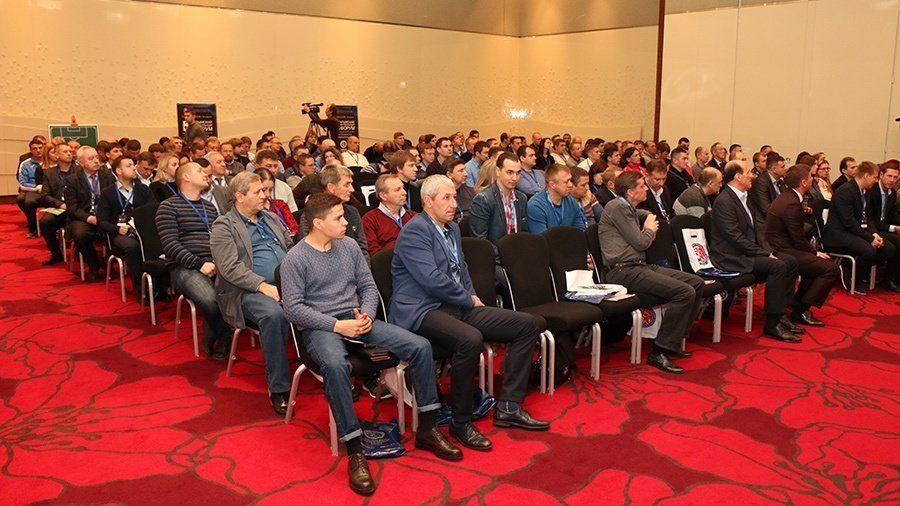 Ялтинские спортсмены получили награды II Крымского футбольного форума