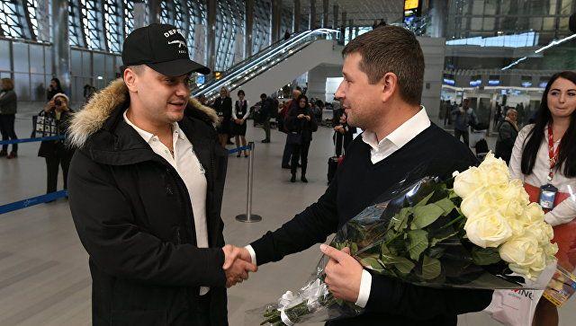 """Юбилейным пассажиром аэропорта """"Симферополь"""" стал гость из северной столицы"""