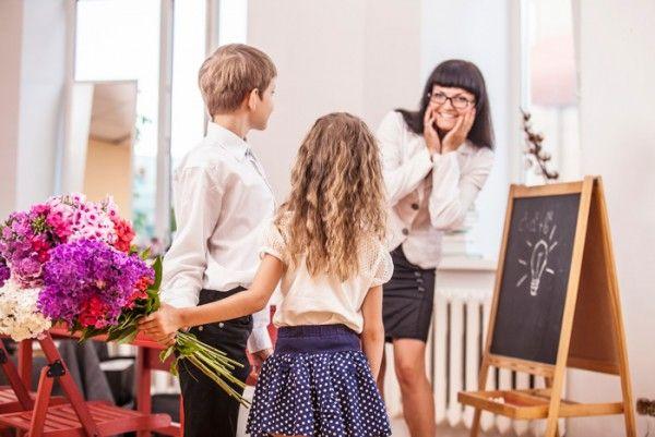 Учителям и врачам могут запретить получать подарки