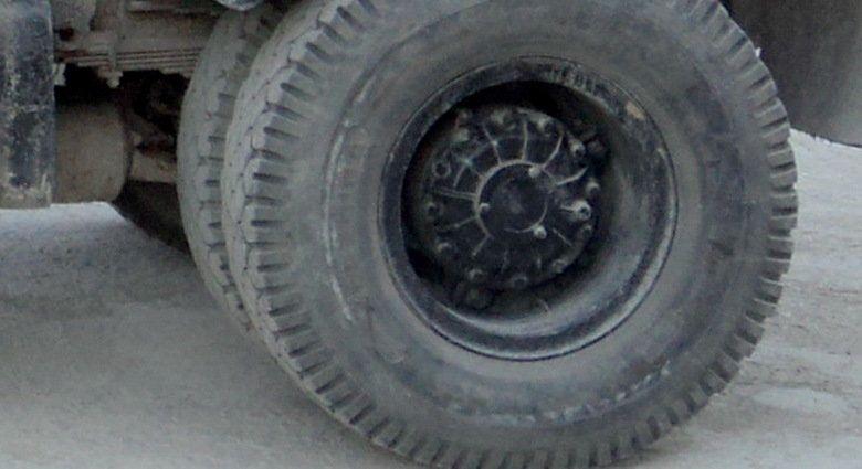В Симферополе у грузовика на ходу отвалились колеса,