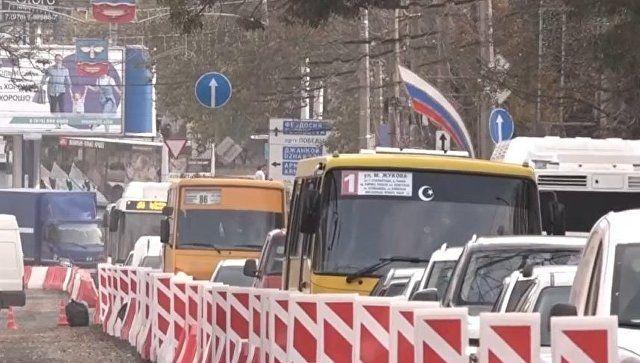Работают как вредители: Аксенов оценил качество ремонта дорог в Симферополе