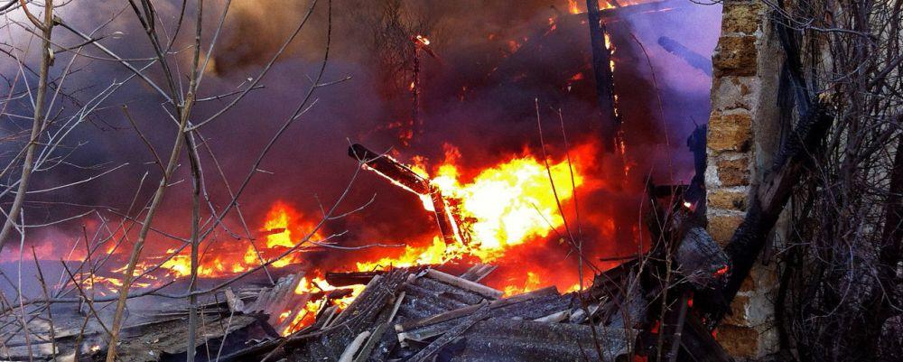 В Крыму сгорел табачный склад,