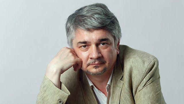 Ростислав Ищенко: Порошенко нуждается в провокации, его позиции слабеют с каждым днём