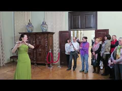 В галерее Айвазовского открылась выставка картин местных художников