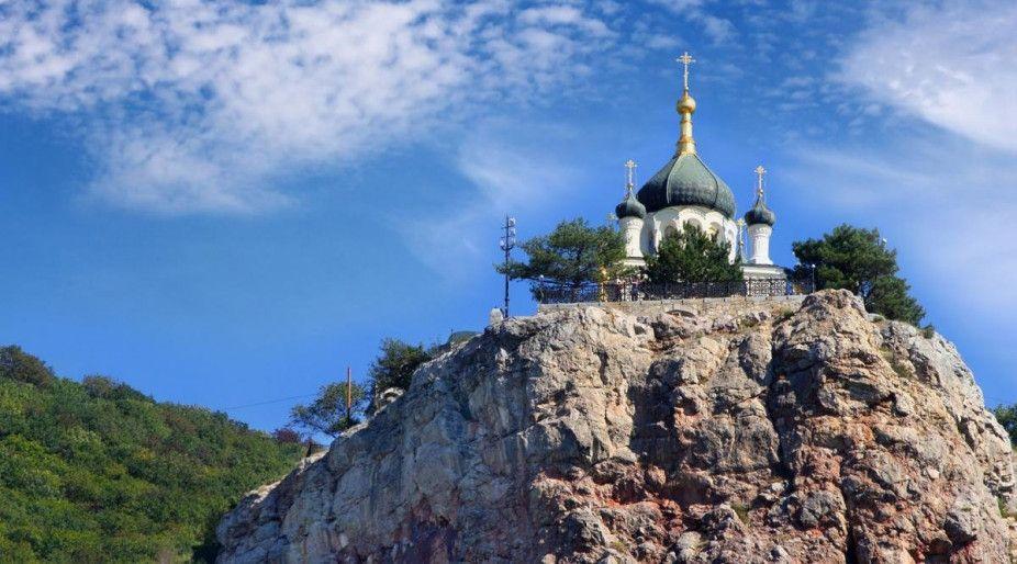 Патриарх Варфоломей потребовал отдать ему более 20 монастырей Крыма, на полуострове ответили