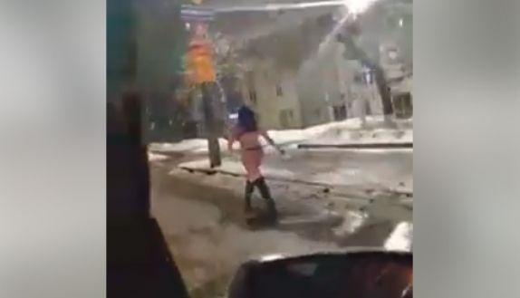 Кто снегурочку на Украине потерял?