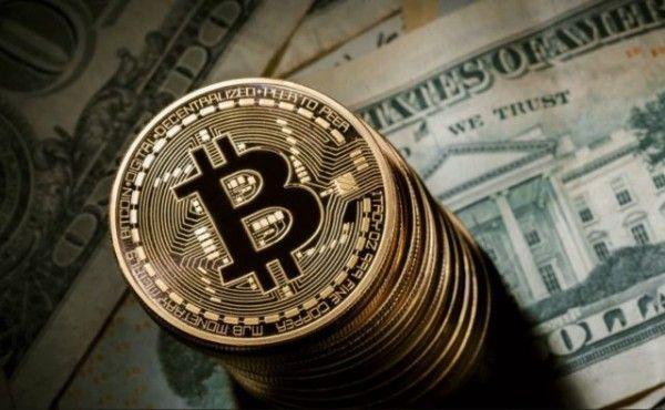 Биткоин обвалил рынок криптовалют