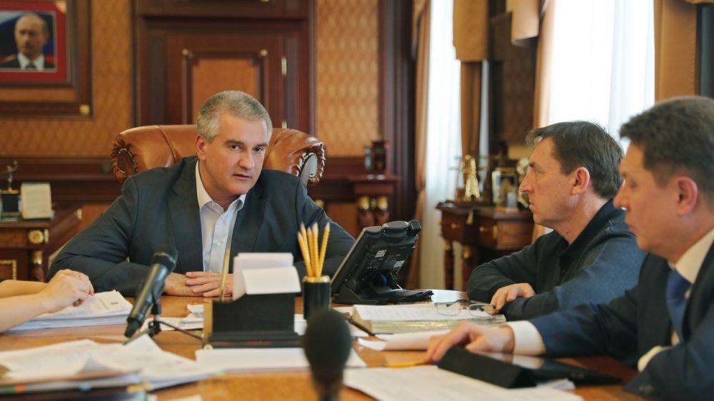 Антон Кальков принял участие в совещании по вопросам исполнения администрацией города Феодосии поручений Главы Республики Крым